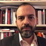 Τα ερευνητικά ενδιαφέροντα του Γιώργου Καραβοκύρη επικεντρώνονται στο συνταγματικό δίκαιο, το δημόσιο δίκαιο και τη θεωρία του δικαίου. Είναι Επίκουρος Καθηγητής Συνταγματικού Δικαίου στη Νομική Σχολή του Αριστοτελείου Πανεπιστημίου Θεσσαλονίκης.