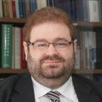Αχιλλεύς Αιμιλιανίδης: Καθηγητής Νομικής και Κοσμήτορας της Νομικής Σχολής του Πανεπιστημίου Λευκωσίας.
