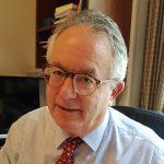 Ο Νίκος Κ. Αλιβιζάτος είναι ομότιμος καθηγητής του Συνταγματικού Δικαίου στο Πανεπιστήμιο Αθηνών.