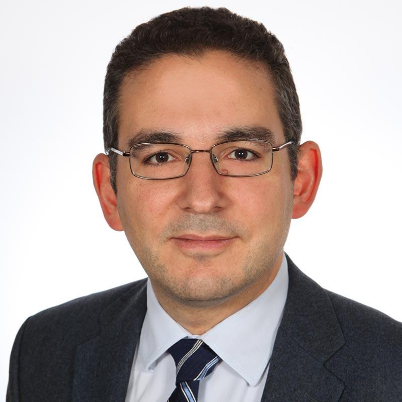 Στυλιανός - Ιωάννης Γ. Κουτνατζής: Λέκτορας Δημοσίου Δικαίου στη Νομική Σχολή του Δημοκριτείου Πανεπιστημίου Θράκης και δικηγόρος.