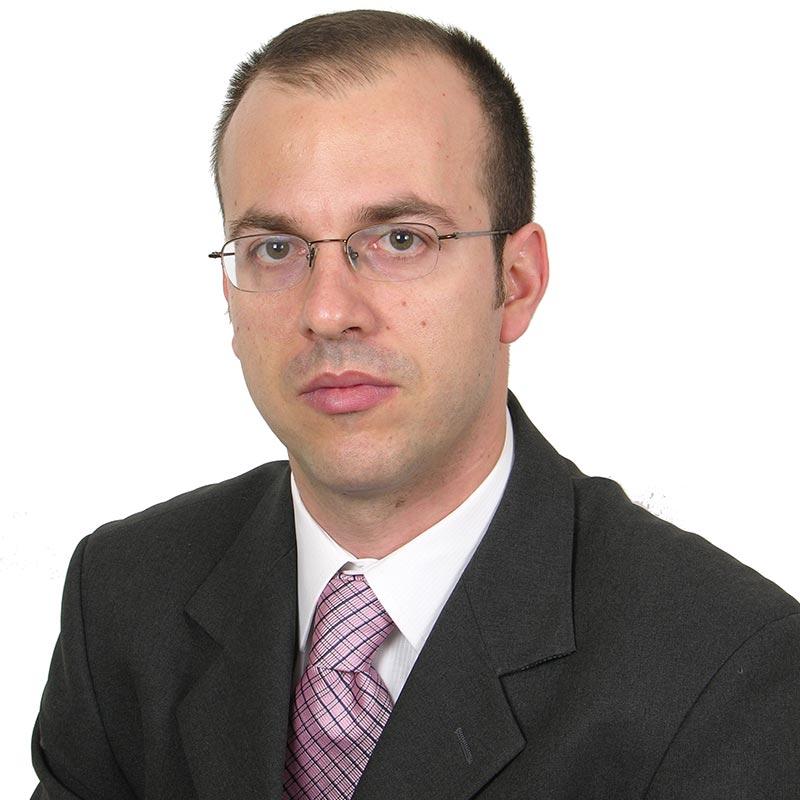 Βαγγέλης Μάλλιος: Δικηγόρος παρ' Αρείω Πάγω.