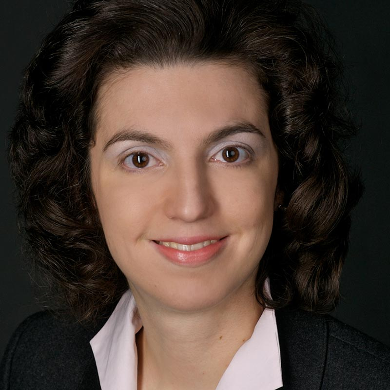 Φερενίκη Παναγοπούλου - Κουτνατζή: Επίκουρη Καθηγήτρια Συνταγματικού Δικαίου στο Πάντειο Πανεπιστήμιο και Δικηγόρος.