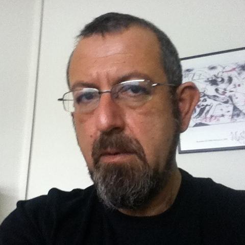 Ο Ανδρέας Τάκης είναι Επίκουρος Καθηγητής φιλοσοφίας και μεθοδολογίας του δικαίου στο Αριστοτέλειο Πανεπιστήμιο Θεσσαλονίκης.