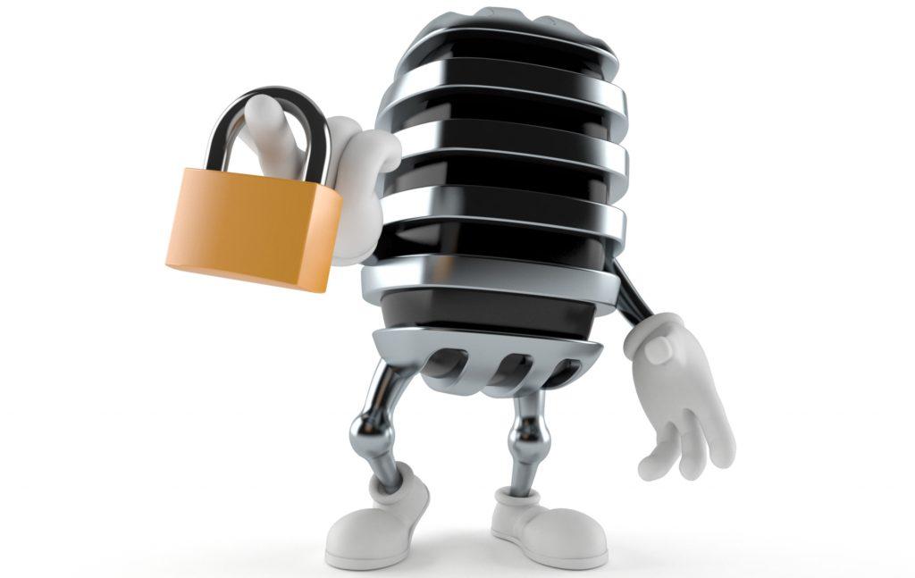 H χωρίς συναίνεση καταγραφή τηλεφωνικής συνδιάλεξης διώκεται ποινικά σε βαθμό κακουργήματος, κατά το άρθρο 370Α του Ποινικού Κώδικα.