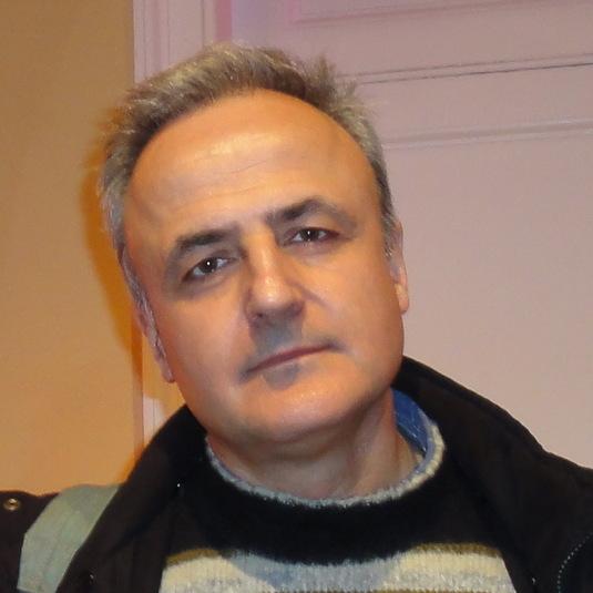 Ο Φίλιππος Βασιλόγιαννης είναι Αναπληρωτής Καθηγητής Φιλοσοφίας του Δικαίου στο Πανεπιστήμιο Αθηνών.