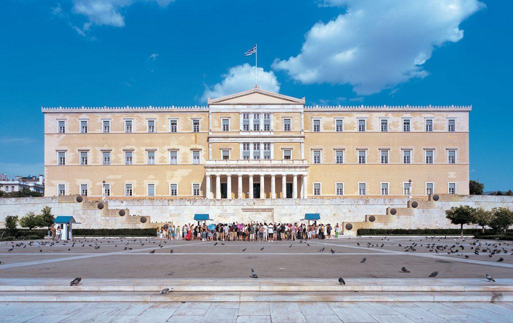 Η Βουλή είναι οίκος ανοχής, οίκος ανοχής όμως της Δημοκρατίας, δηλαδή θεσμός που αγαπά τη δημοκρατία και τη θρέφει (φωτογραφία: Γιώργης Γερόλυμπος).