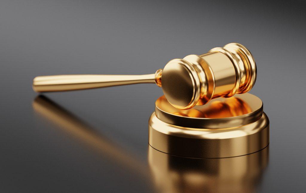 Η συζήτηση για την μεταβολή του συστήματος ελέγχου της συνταγματικότητας των νόμων απασχολεί τον αναθεωρητικό νομοθέτη και την επιστήμη κάθε φορά που ξεκινάει μία αναθεωρητική διαδικασία.