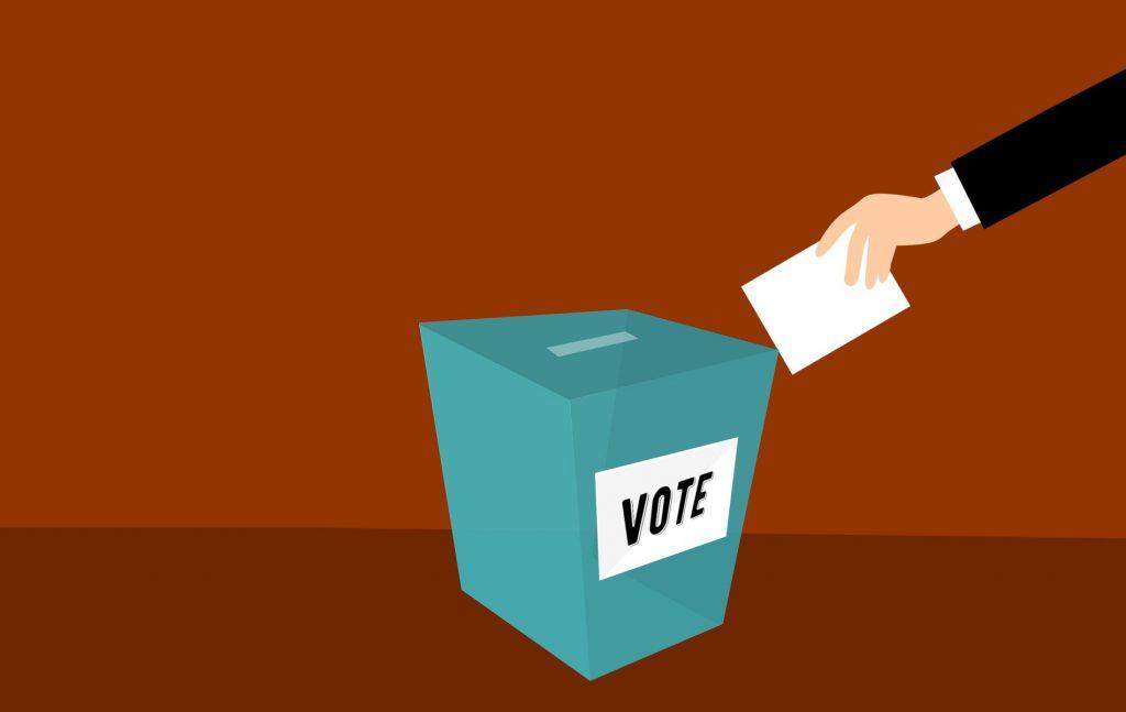 Κανένας νόμος δεν μπορεί να στερήσει στους Έλληνες του εξωτερικού το δικαίωμα ψήφου ή να το περιορίσει για τον λόγο ότι κατοικούν ή διαμένουν στο εξωτερικό.