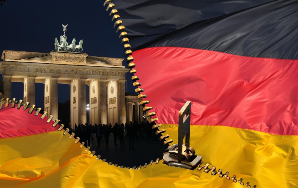 Η πρόσφατη απόφαση του Ομοσπονδιακού Συνταγματικού Δικαστηρίου της Γερμανίας (Bundesverfassungsgericht – BVerfG) της 5ης Μαΐου 2020 που αφορά την απόφαση του Συμβουλίου της ΕΚΤ για την έγκριση του προγράμματος αγοράς κρατικών ομολόγων (PSPP) γνωστού και ως ποσοτική χαλάρωση (Quantative Easing – QE) θα μείνει σίγουρα ιστορική για την ίδια την πορεία της ευρωπαϊκής ολοκλήρωσης.