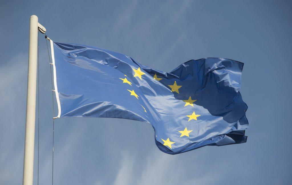 Η Ευρωπαϊκή Ένωση πρέπει να έχει προ οφθαλμών την εξής πραγματικότητα, σχετικά με την ΑΟΖ στον θαλάσσιο χώρο της Μεσογείου: Μέσω της πίεσης προς την Ελλάδα και την Κύπρο, ως προς την οριοθέτηση της ΑΟΖ που τους αναλογεί κατά την «Σύμβαση του Montego Bay» -άρα ως προς την οριοθέτηση της ΑΟΖ της Ευρωπαϊκής Ένωσης- η Τουρκία επιδιώκει, στο πλαίσιο των «νεοοθωμανικών» της φαντασιώσεων, να καταστεί ρυθμιστικός «παράγοντας» στην ανατολική Μεσόγειο και στην Μέση Ανατολή, «ισότιμος συνομιλητής» με τις ΗΠΑ, την Ρωσία αλλά και με την Ευρωπαϊκή Ένωση.