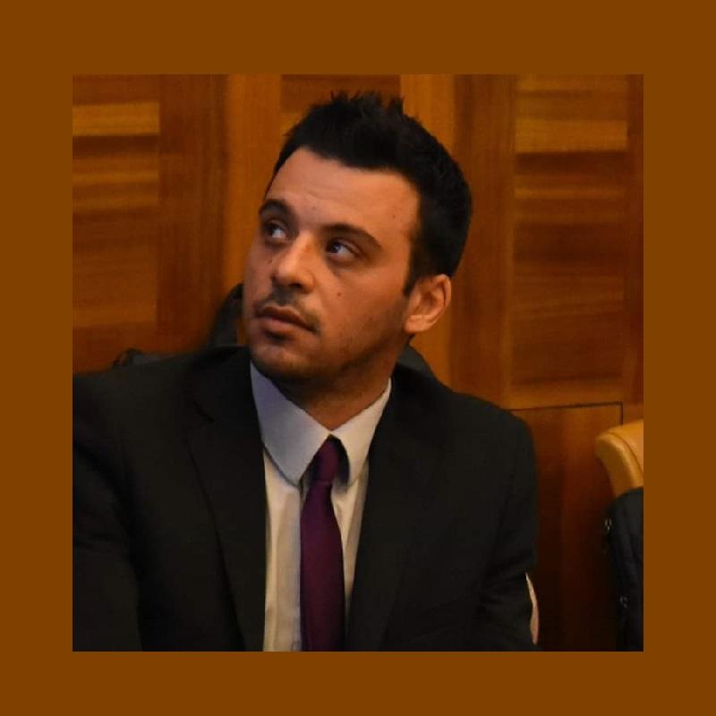 Ο Ιωάννης Π. Τζιβάρας είναι συγγραφέας τεσσάρων αυτοτελών μονογραφιών όπως και επιστημονικών συμβολών σε συλλογικούς τόμους και άρθρων σε επιστημονικά περιοδικά στην Ελλάδα και το εξωτερικό. Δικαστικός στο Υπουργείο Δικαιοσύνης (Πρωτοδικείο Μεσολογγίου, Ποινικό Τμήμα) και Εμπειρογνώμονας στην Ευρωπαϊκή Επιτροπή.