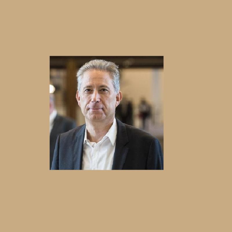 Ο Κώστας Χρυσόγονος είναι Καθηγητής Νομικής στο Αριστοτέλειο Πανεπιστήμιο Θεσσαλονίκης (ΑΠΘ).