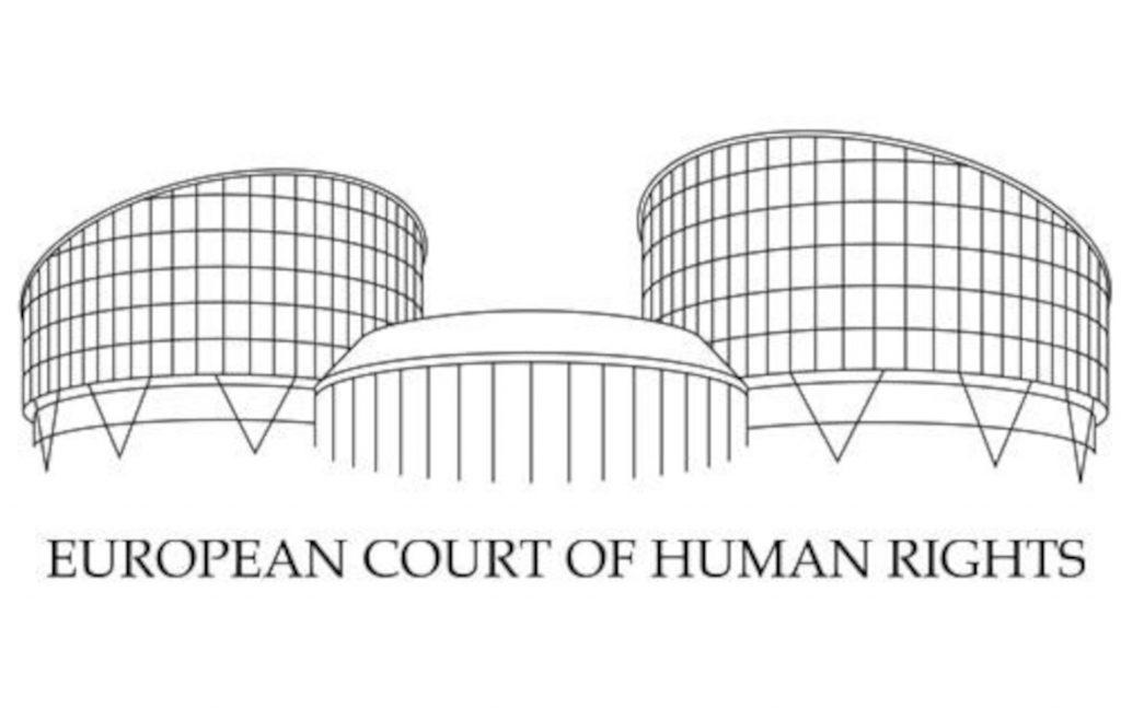 Μια απόφαση του Ειρηνοδικείου Αθηνών με την οποία διατάχθηκε η έξωση και απόδοση της νομής στην ιδιοκτήτρια δεν εκτελέστηκε από τις Αρχές.